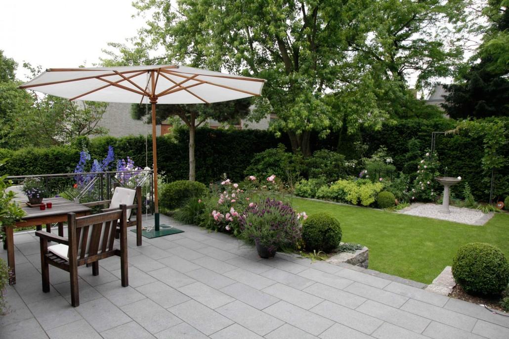 bodenbel ge aus naturstein berliner g rten g rten f r berlin und brandenburg. Black Bedroom Furniture Sets. Home Design Ideas