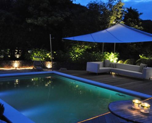 Der Living-Pool am Abend