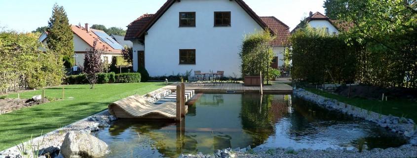 Hausgarten mit Schwimmteich in Rehfelde